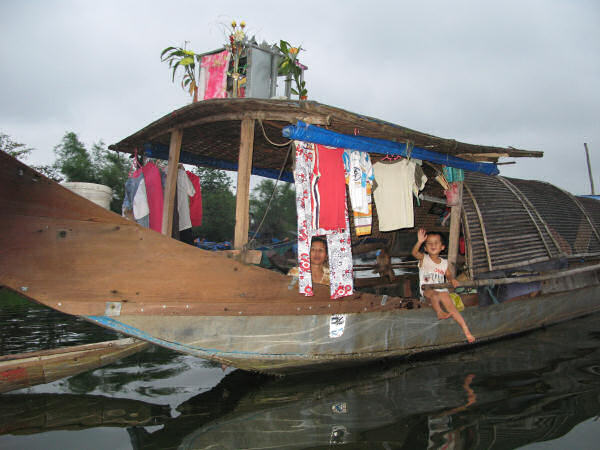Five Plank Houseboat