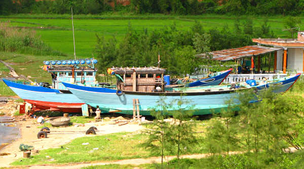 Hue Area Traditionl Boats: Immigrants from the North