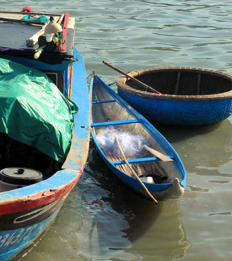 Sheet metal version of Quy Nhon style basket boat